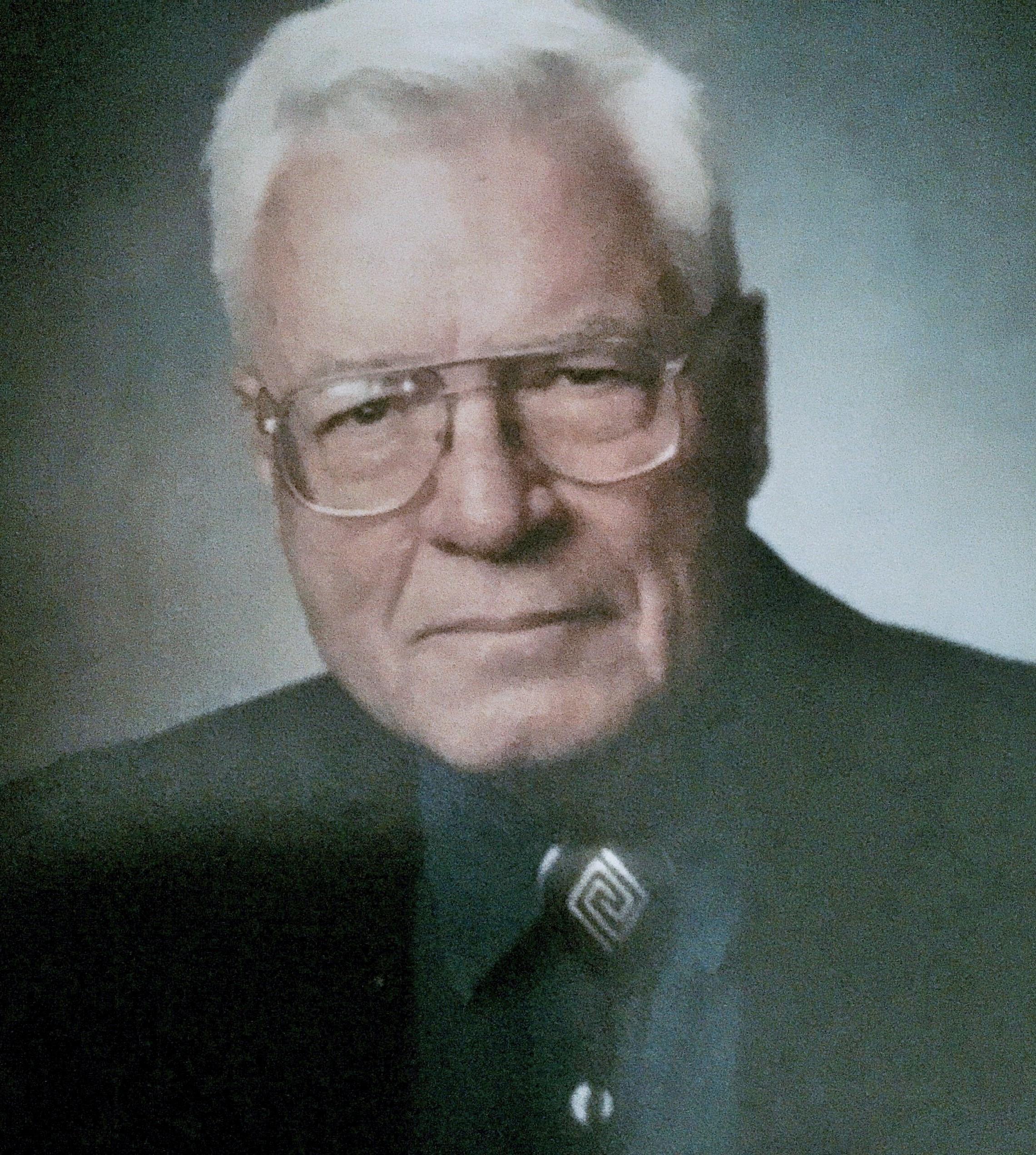 Dr Earl Baker