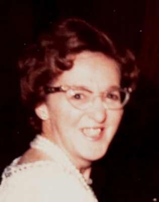 Gwennie Andrews 1 400